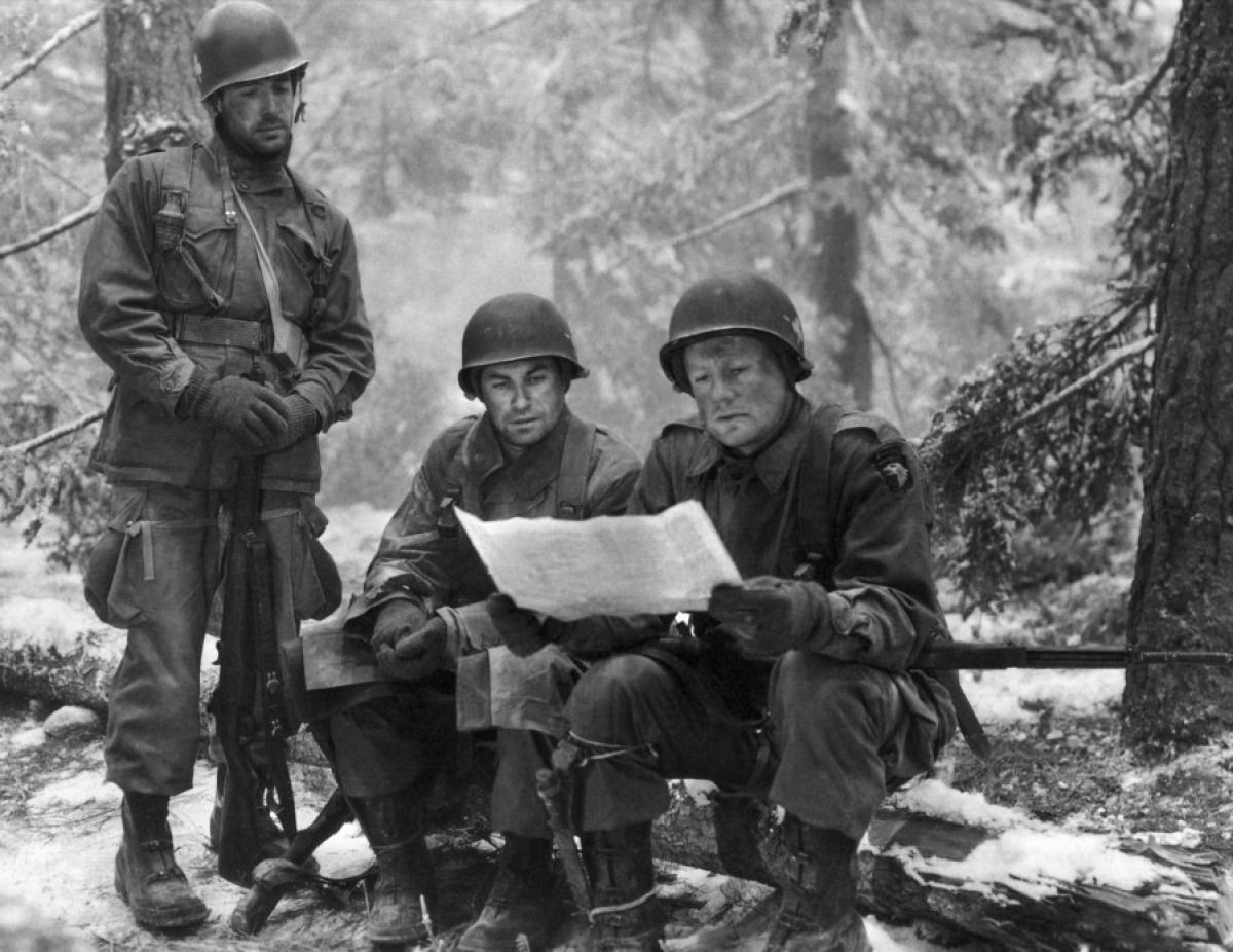 US Army Soldiers Reading A Map During The Battle Of Bastone During - Us army map reading