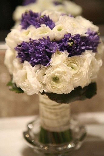 Pin by trouwens weddings on flowers pinterest purple bouquets eegant with purple and white flowers bouquet wedding mightylinksfo