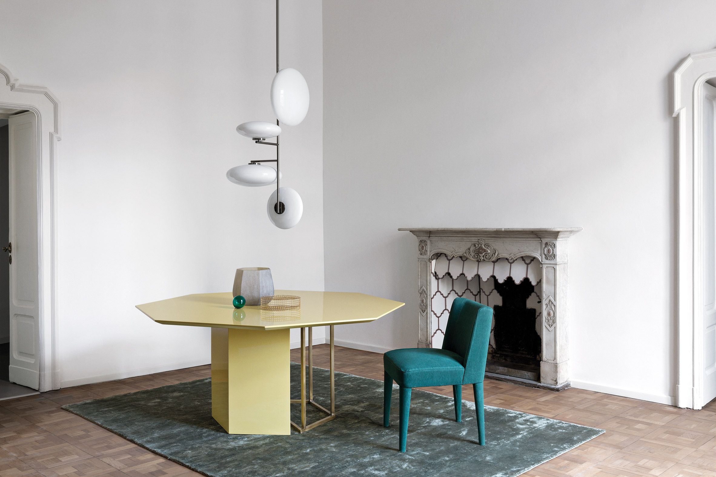 Plinto Table Collection By Meridiani Table Desk Pinterest - Octagon shaped dining table