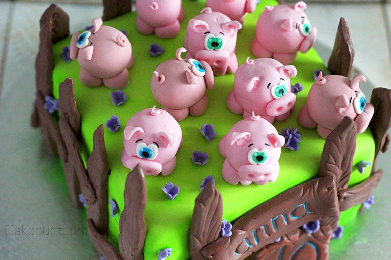 Tarta de fondant, granja con cerditos. http://cakepuntcom.blogspot.com.es/2017/04/tarta-granja-cerdito.html