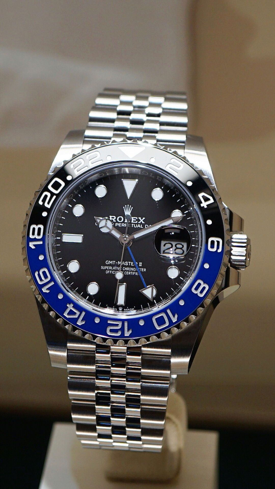 And Here It Is Ladies And Gentlemen The Most Exciting Rolex Release This Year The New Gmt Master Ii On Jubilee C Watches For Men Rolex Rolex Watches