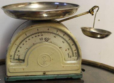 29e antiikkinen keittiövaaka