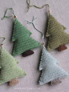 Hæklede juletræer (her tilført duft)..