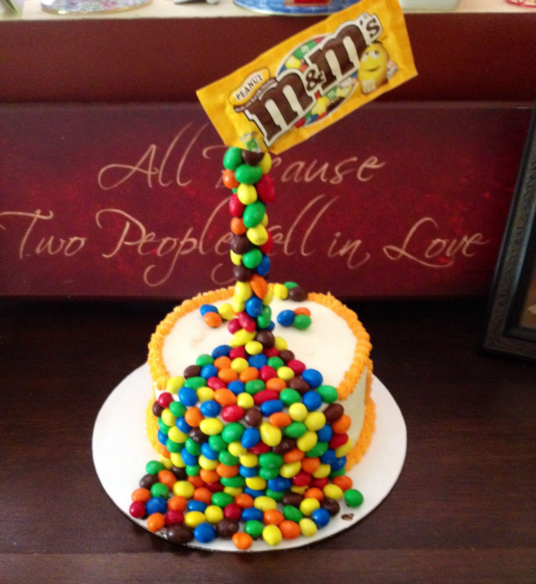 Mm gravity cake cake cupcakes pinterest for M m cake decoration ideas