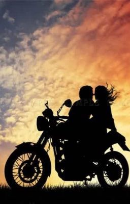 Sfondi donne e moto