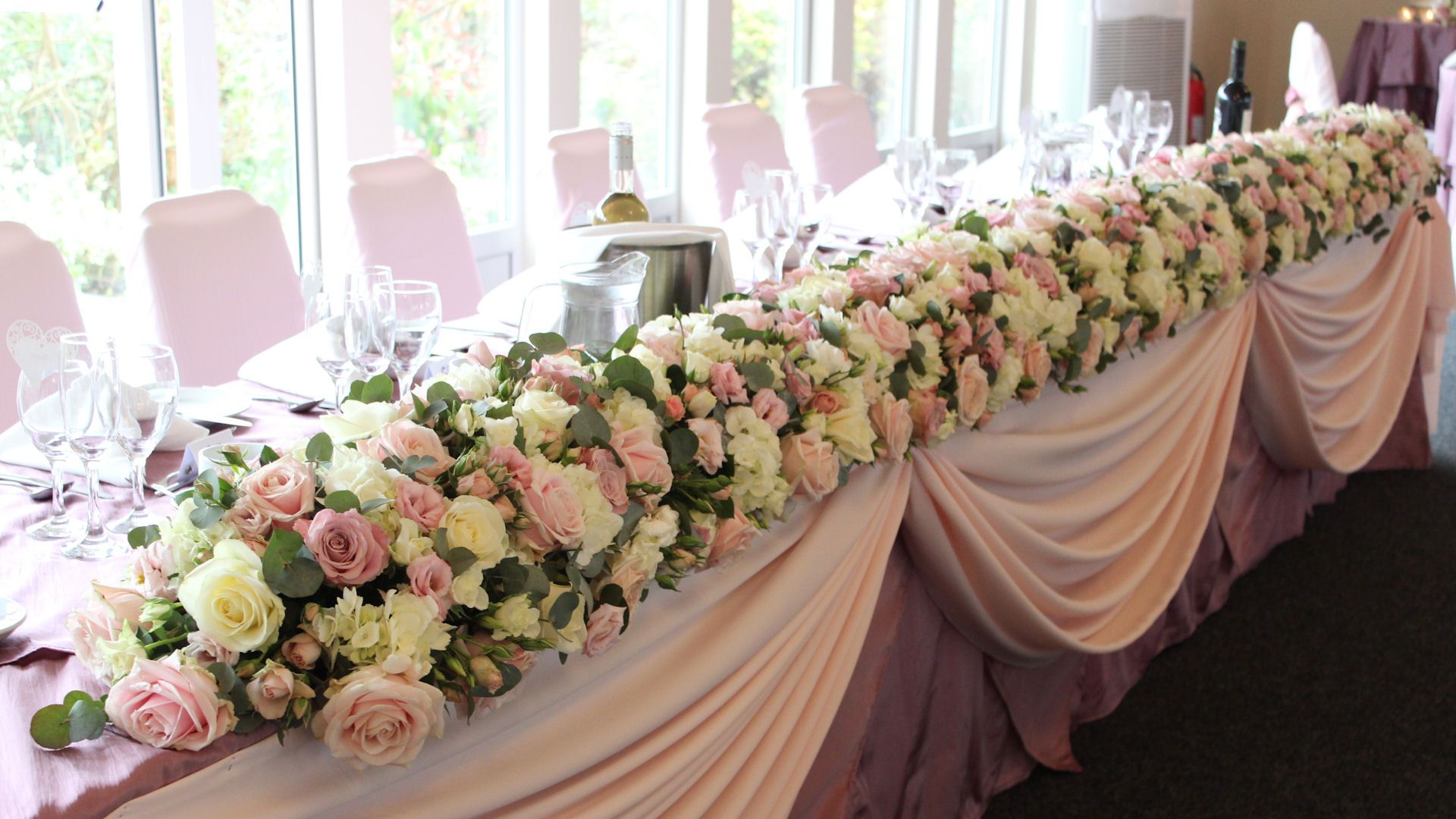 Top Table with Dusky Pink | Wedding top table, Table flower ...