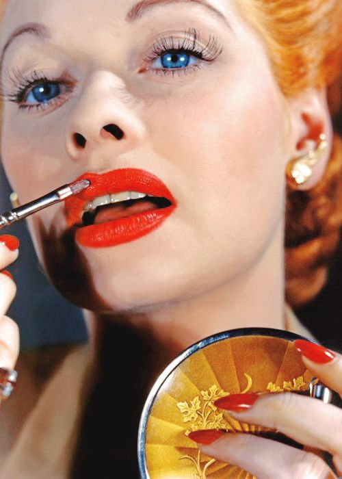 Lucille Ball Was Dubbed Technicolor Tessie By Hollywood Makeup Artists And Movie Technicians For Her Flawless Complexion Lucille Ball Beauty Memes Love Lucy