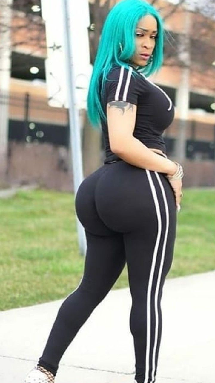 Pictures of big booty women