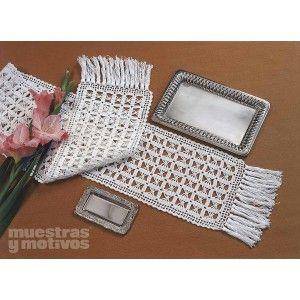 Camino de mesa tejido a ganchillo rectangular y rematado for Centros de mesa de ganchillo