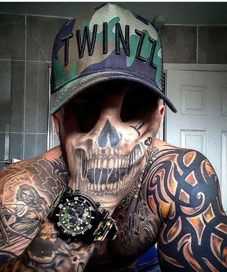 Pin De Rodolfo Lopez En Skulls Tatuajes En La Mano Tatuajes En La Mano Para Hombres Tatuajes De Sonrisa