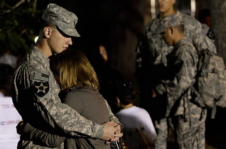 15 Soldiers Coming Home Will Make You Cry Tears Of Joy Soldiers Coming Home Soldier Surprises Coming Home