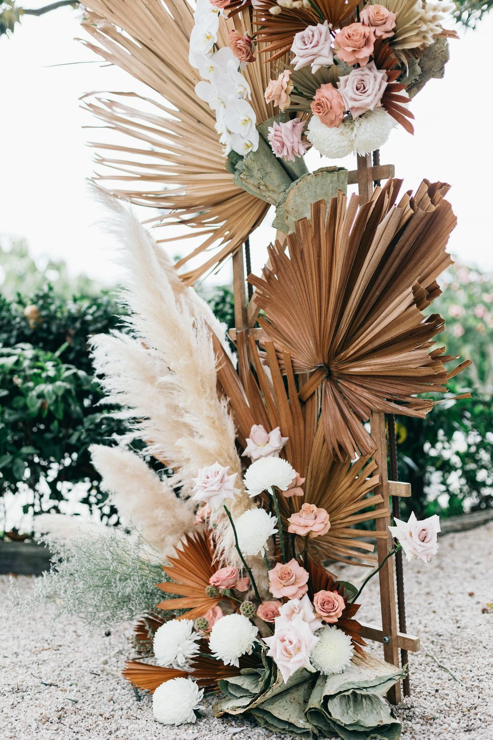 Chic Byron Bay Wedding with Dried Botanicals ⋆ Ruffled