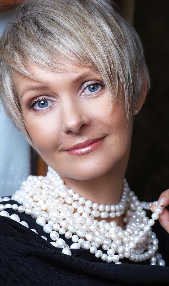 50 kurze und stilvolle Frisuren für Frauen über 50