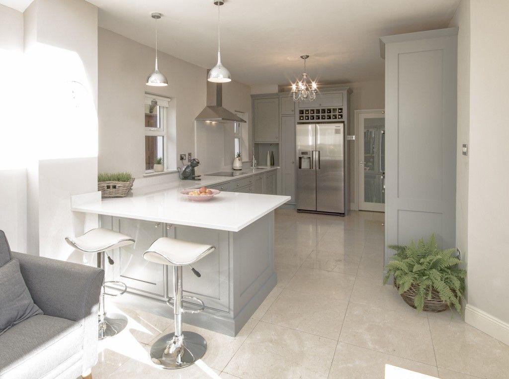 Best Enigma Design » Manor House Grey Kitchen Classical 640 x 480