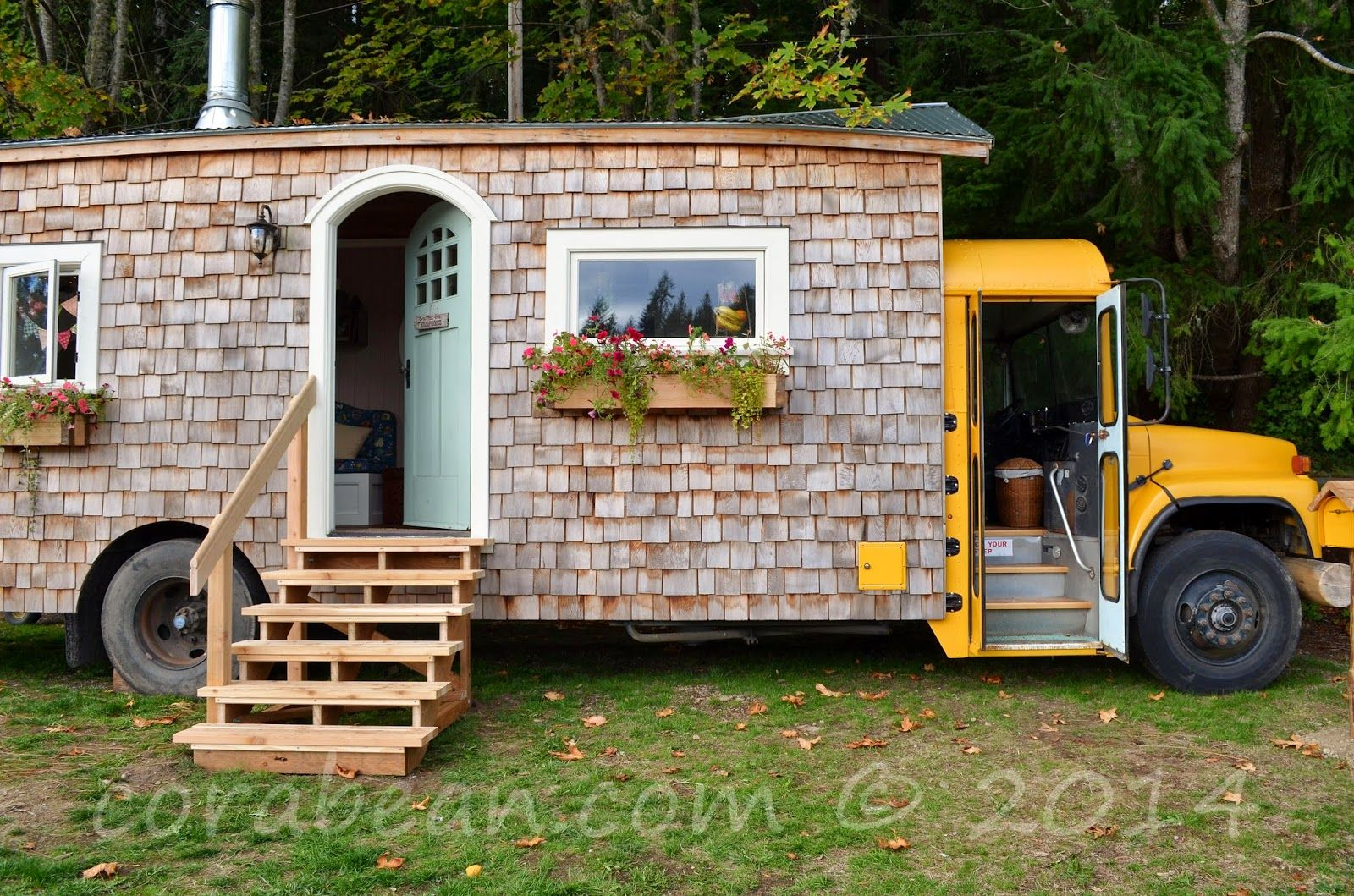 Tremendous 17 Best Images About Tiny House On Pinterest Buses Tiny House Largest Home Design Picture Inspirations Pitcheantrous