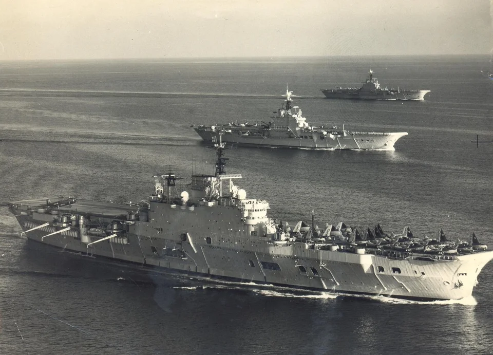 Royal Navy Aircraft Carrier Hms Eagle Operating With Hms Albion And Hms Bulwark Royal Navy Aircraft Carriers Navy Aircraft Carrier Aircraft Carrier