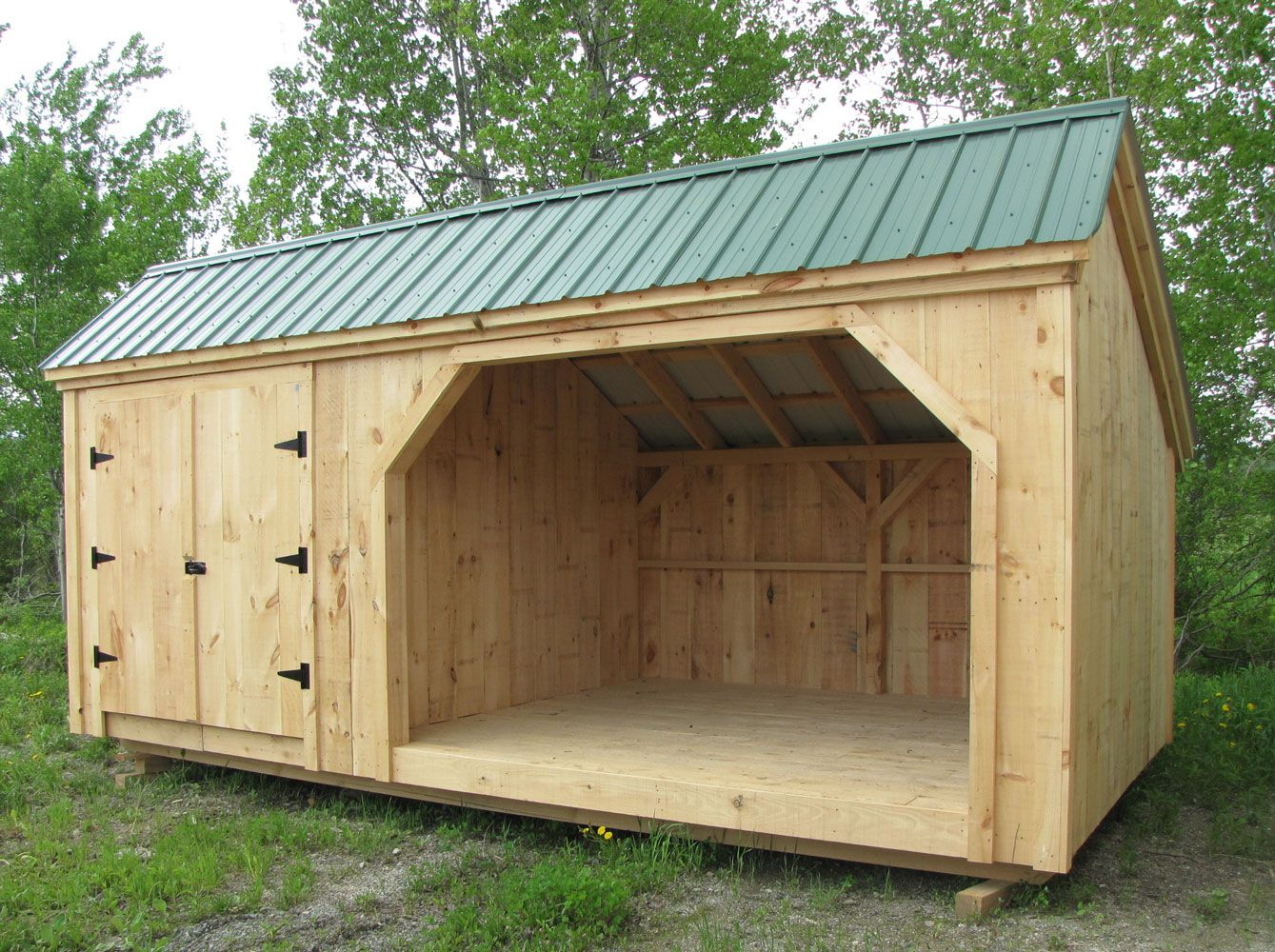Best Soft Orange Wood Wall And Green Roof Color For Firewood 400 x 300