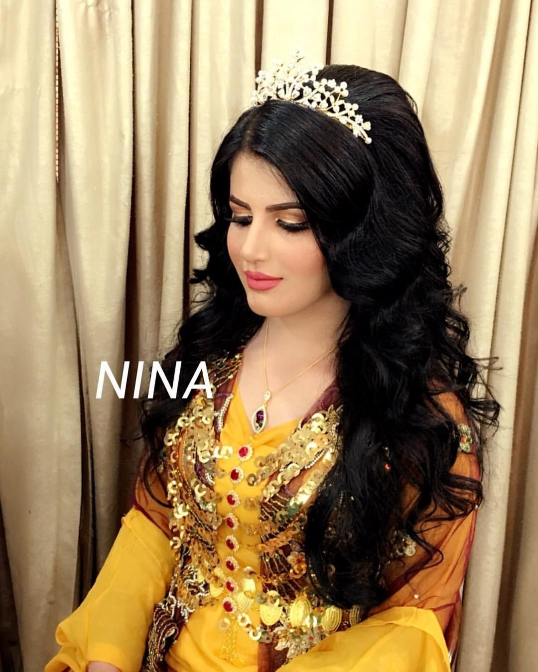 Pin By Shakeel Furqan On Queen Pinterest Salons Makeup And Hair