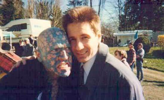 The Enigma and David Duchovny on the set of The X Files | Rare and beautiful celebrity photos
