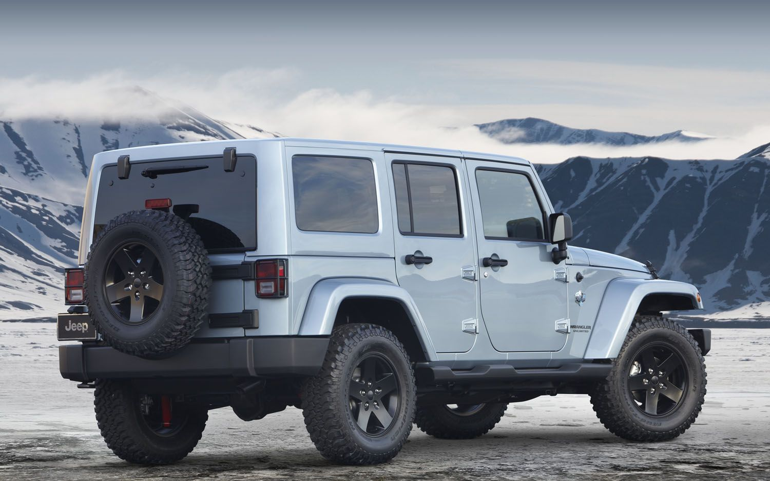 2015 Jeep Wrangler Unlimited Sahara Cons Not sure if