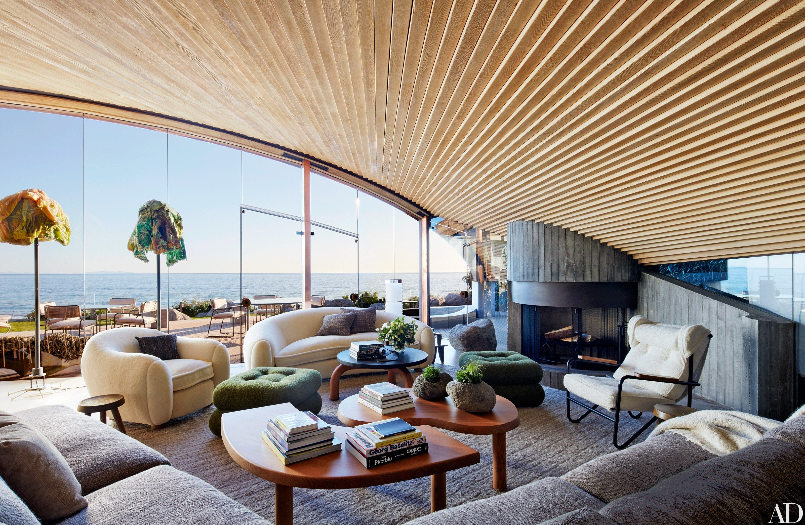 A john lautner beach house in malibu is revitalized john for Modern architecture interior