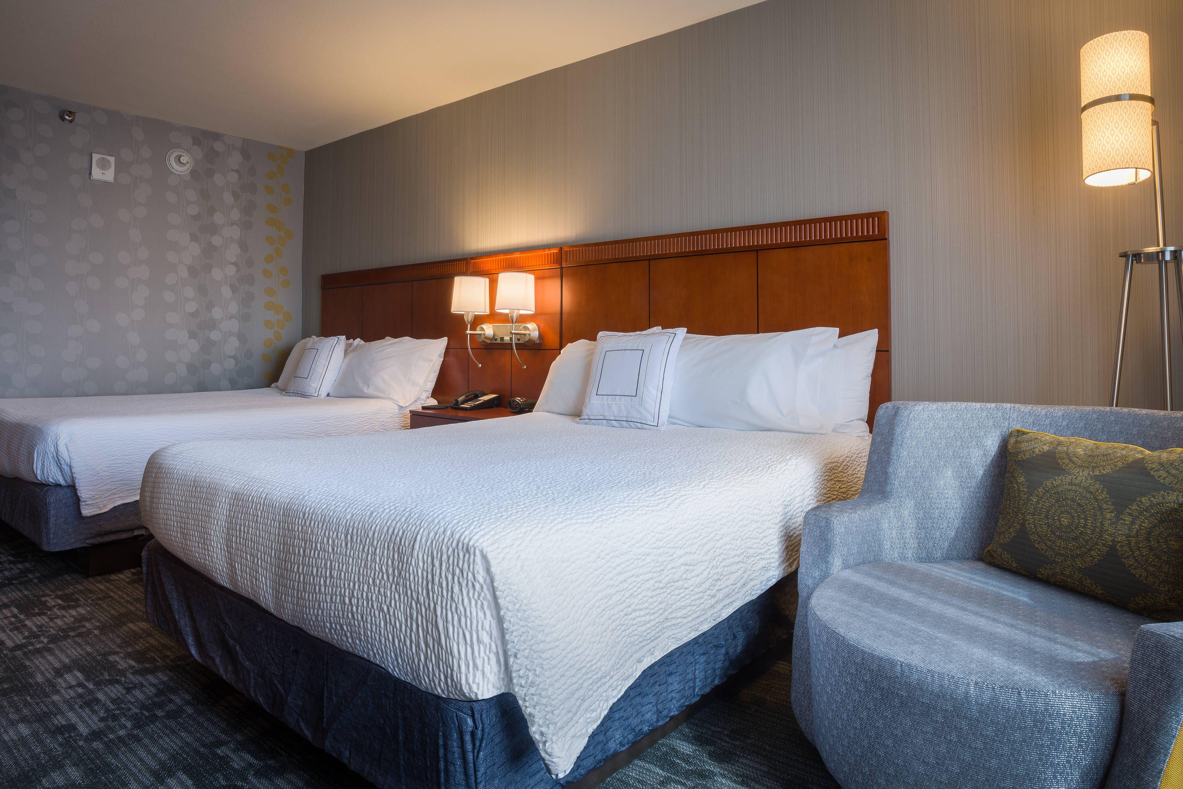 Courtyard Los Angeles Westside Queen Queen Guest Room Comfort