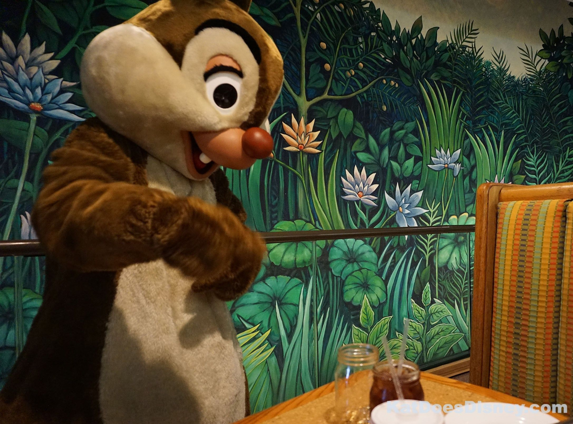 I love character dining! Nothing beats getting to eat