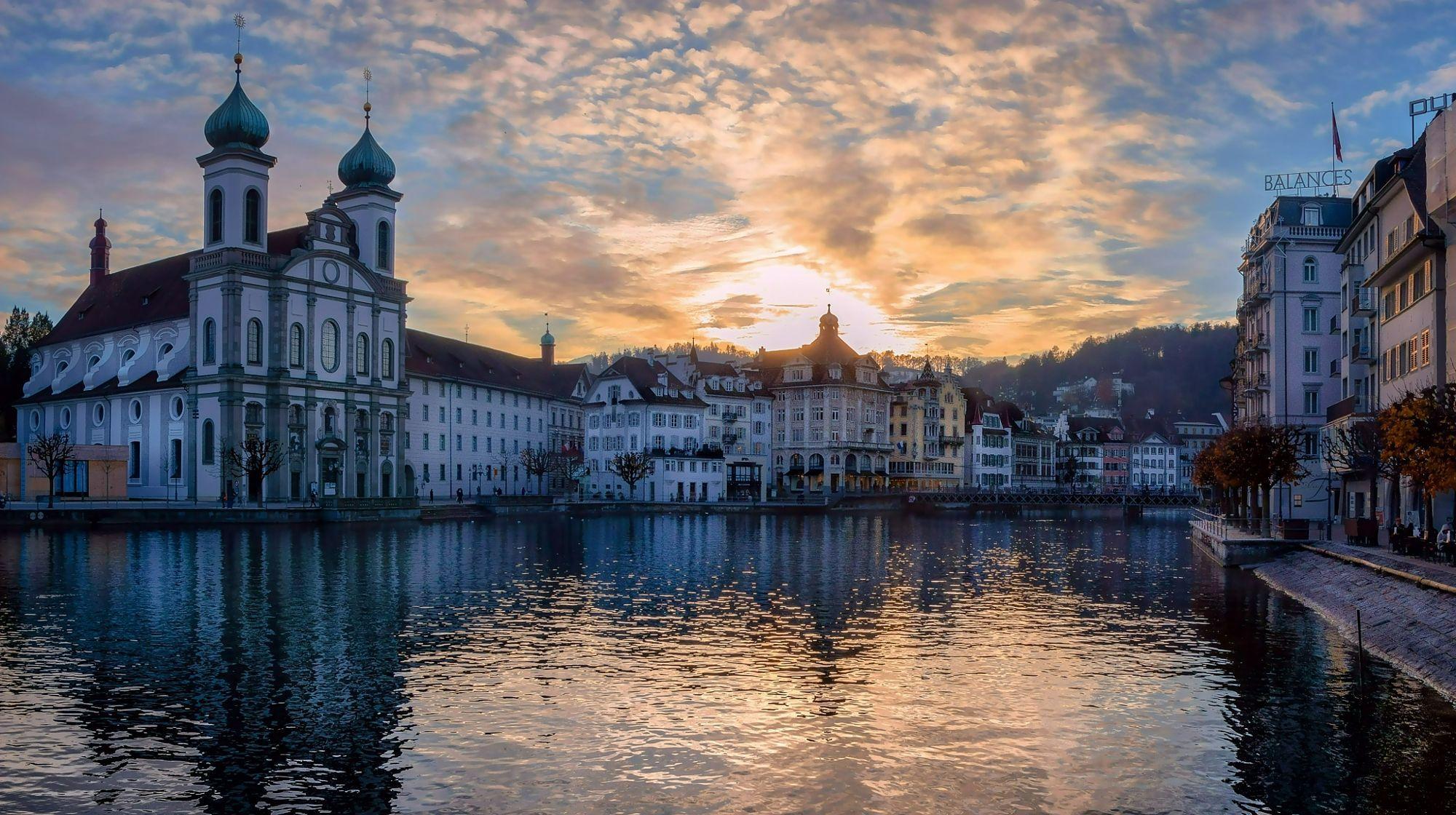 Eglise des Jésuites  Lucerne  City and architecture photo by krigou http://rarme.com/?F9gZi