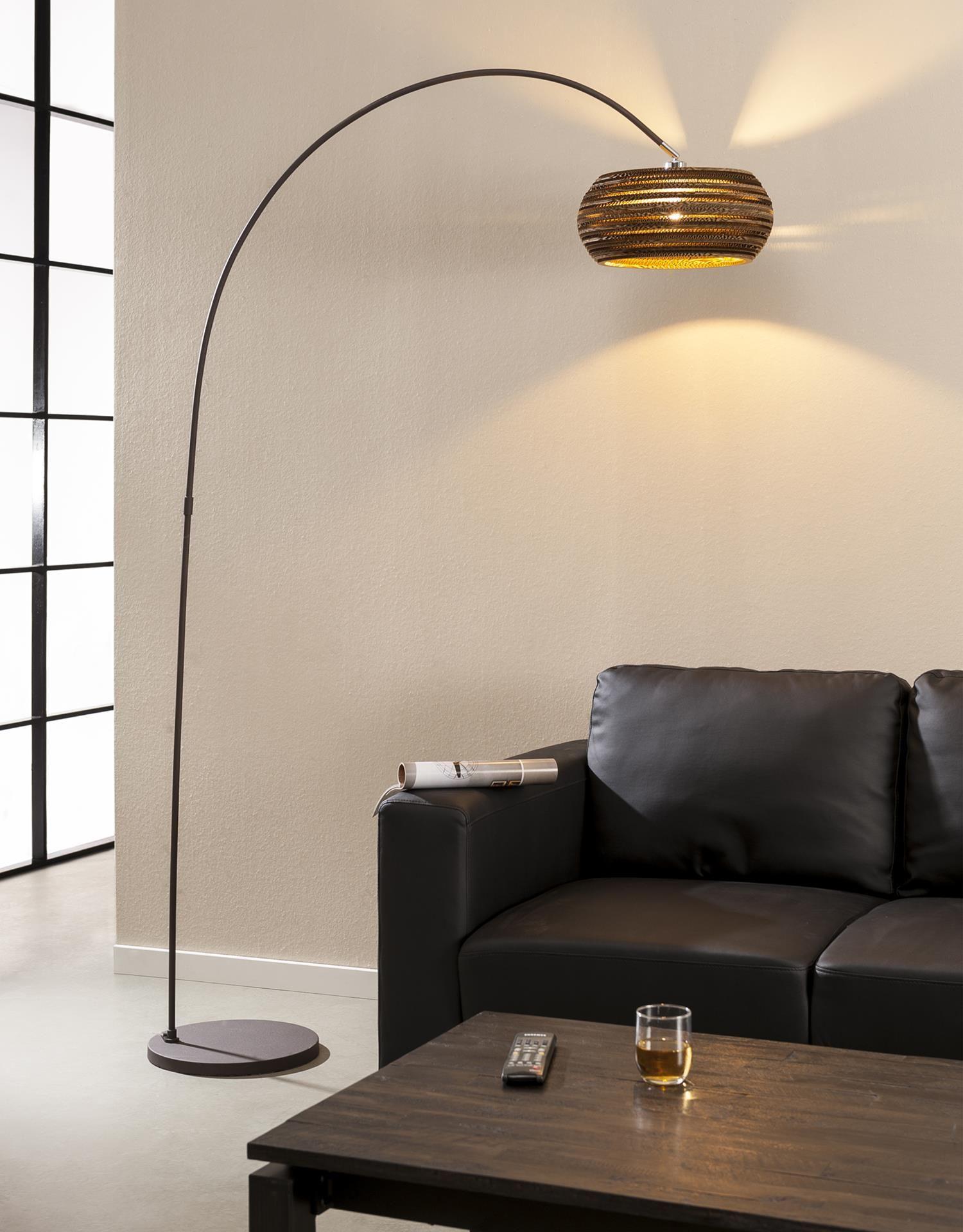 Diese Moderne Stehlampe Ist Aus Miteinander Verklebten, Handgeschnitzen Kartonschichten Hergestellt