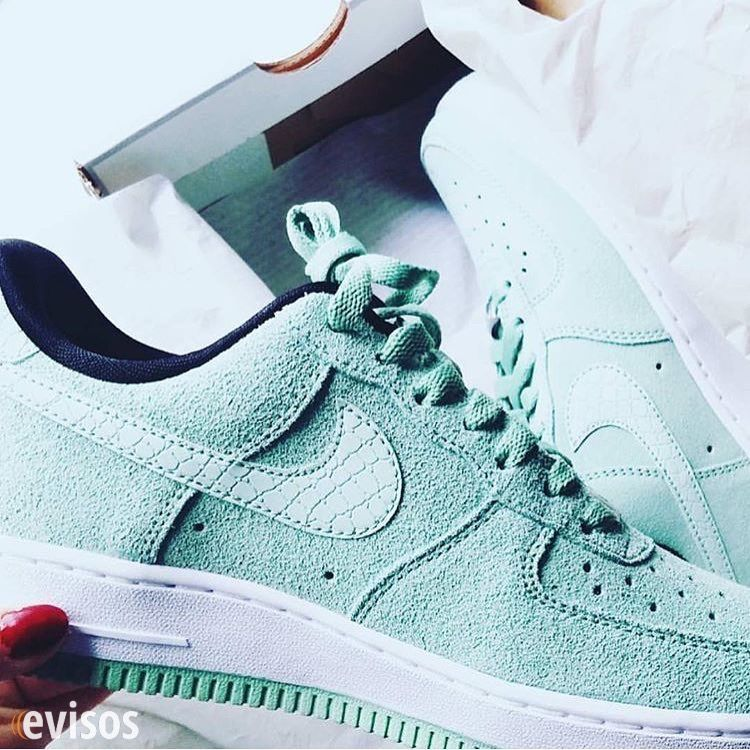 Las mejores zapatillas busca en www.evisos.com #clasificados #zapatos