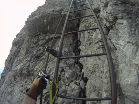 Zum zweiten Mal am Pfingstwochenende am Aggenstein, diesmal ohne Schnee. Michis erste Kletterei an echtem Fels.