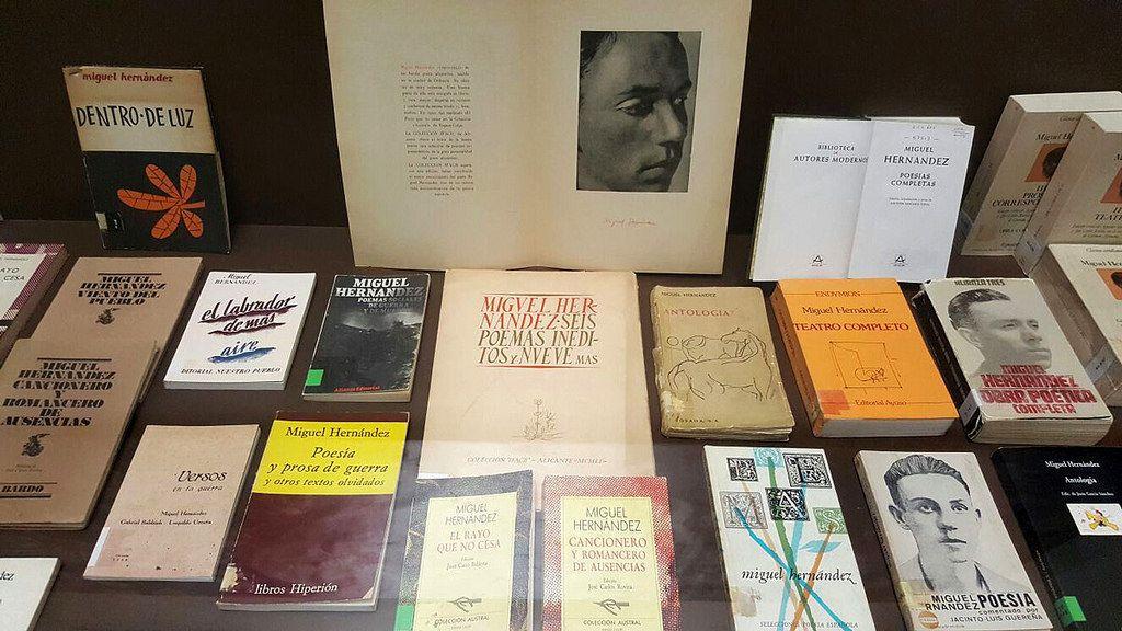 Exposición De Obras De Miguel Hernández Book Cover Books Cover