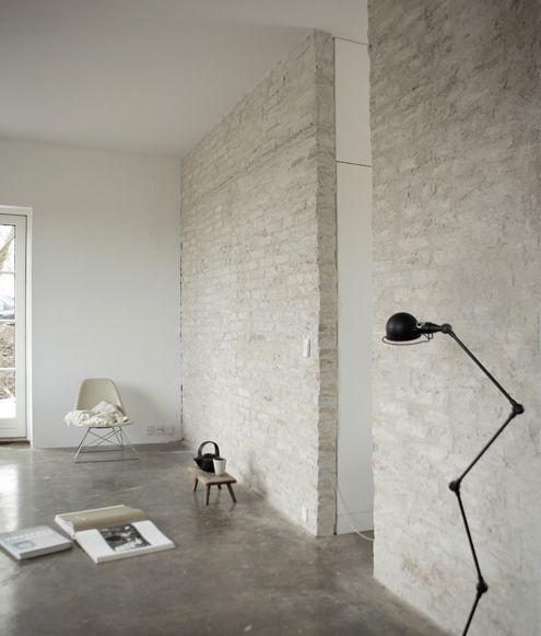 Concrete, bricks, Jiélde, Eames