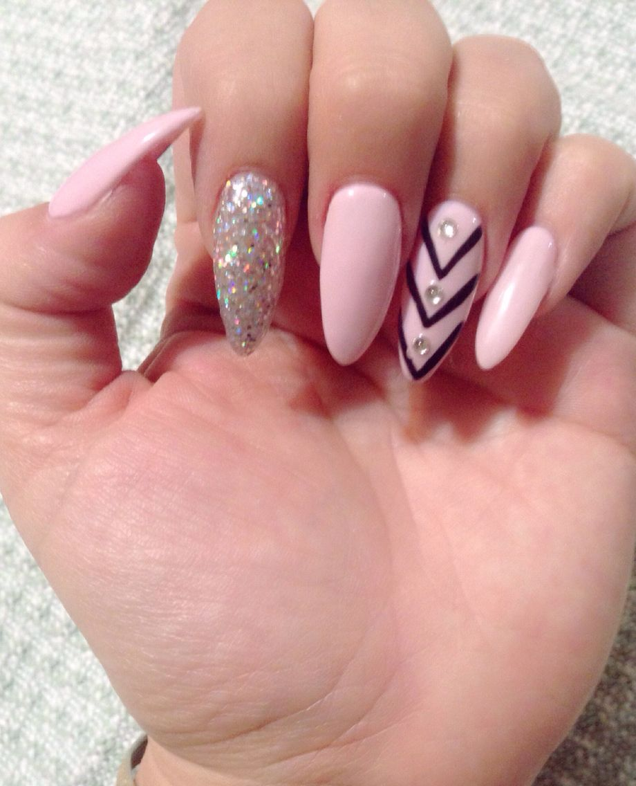 Almond Shaped Nails Light Pink Silver Glitter Gel Polish Black Line Design With Three White Rhines Almond Nails Designs Glitter Gel Polish Pink White Nails
