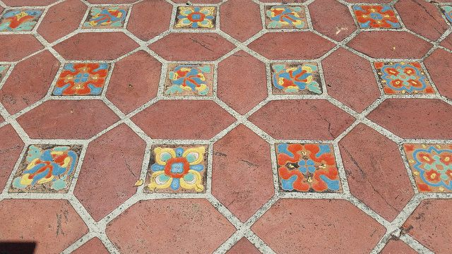 Tile Malibu Glazed Ceramic Tiles Meld Beautifully With Terracotta