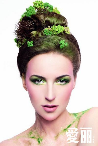Makeup Must Haves For Beginners: Green Forest Makeup To Create A New