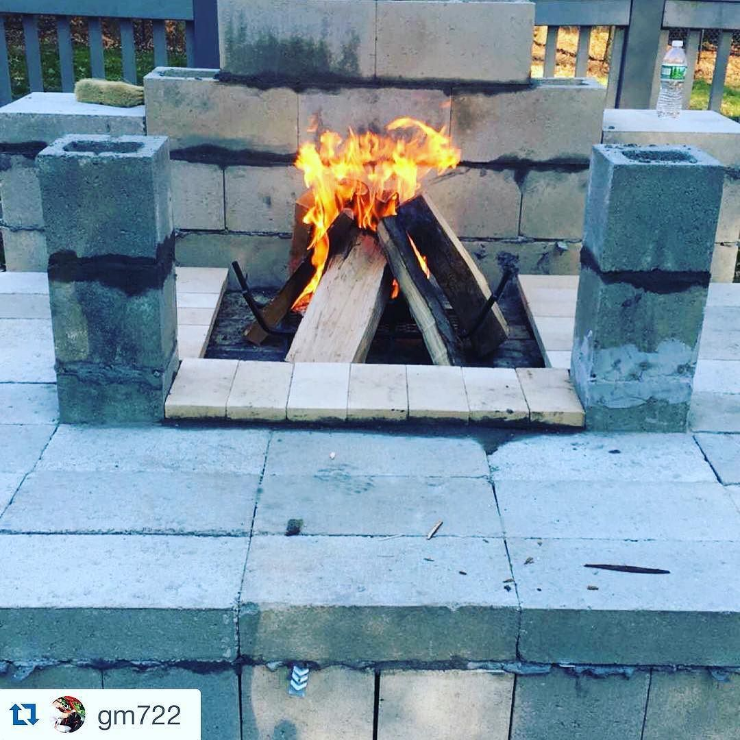 #Repost  #CréaloTúMismo #inspiracion #hogar It's getting there slowly but surely #fireplace #outdoorfireplace #mason #diy by carolina.block
