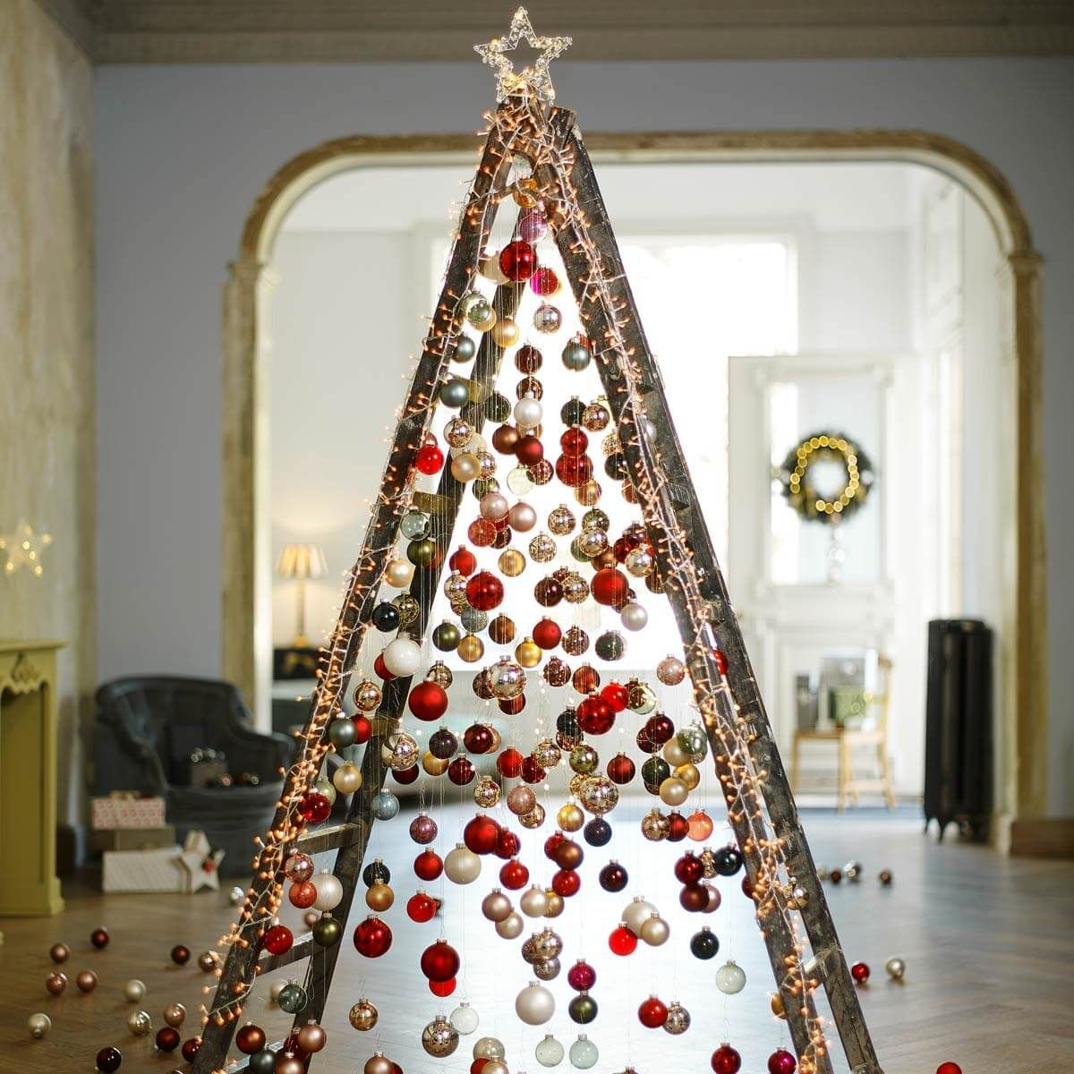 An Eye Catching Ladder Tree Spotted On Pinterest May Not Save Any Space But It Is Ce Unique Christmas Trees Unusual Christmas Trees Traditional Christmas Tree