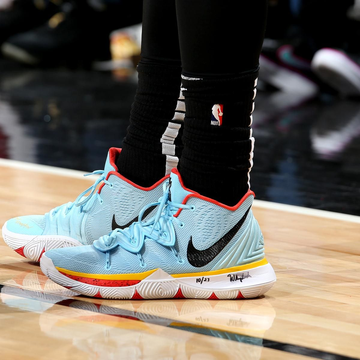 B R Kicks keeps you up to date with all the latest footwear trends on the  NBA hardwood. Here s a look at the cleanest looks from Saturday s action. a3d5fc482