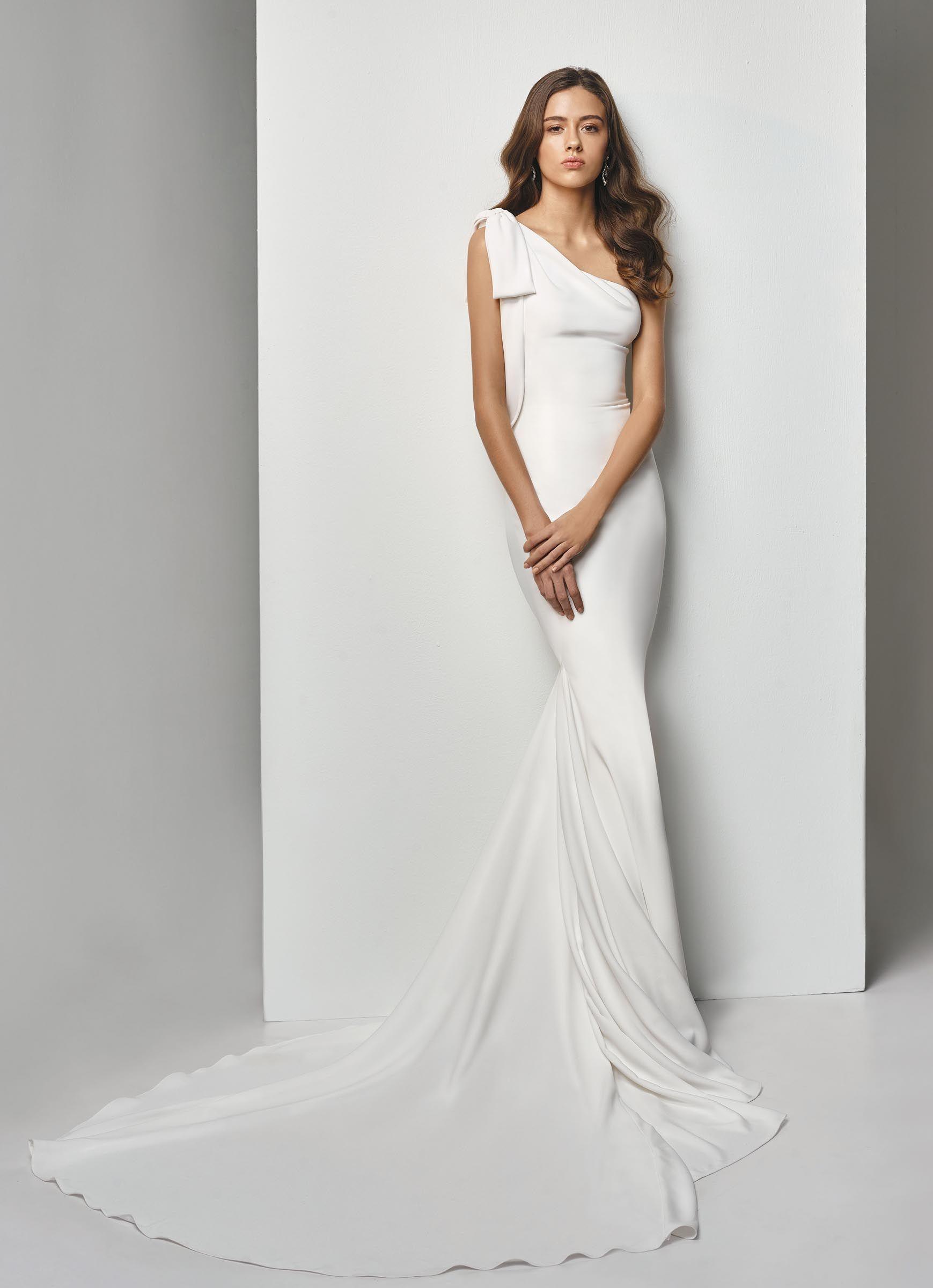 Asymmetrisches Fit and Flare-Brautkleid von Beautiful Bridal