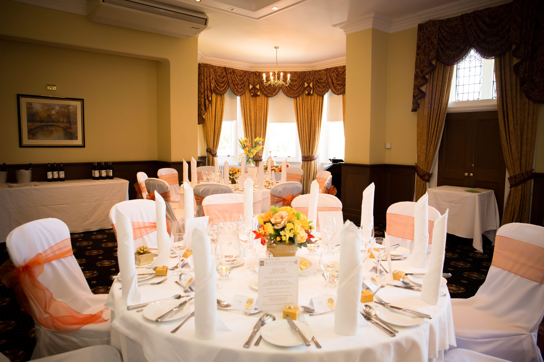 Wedding Breakfast Bracebridge Room At Moor Hall Hotel Spa Venues In Sutton Coldfield Image Courtesy Of Hart Harvey Photography