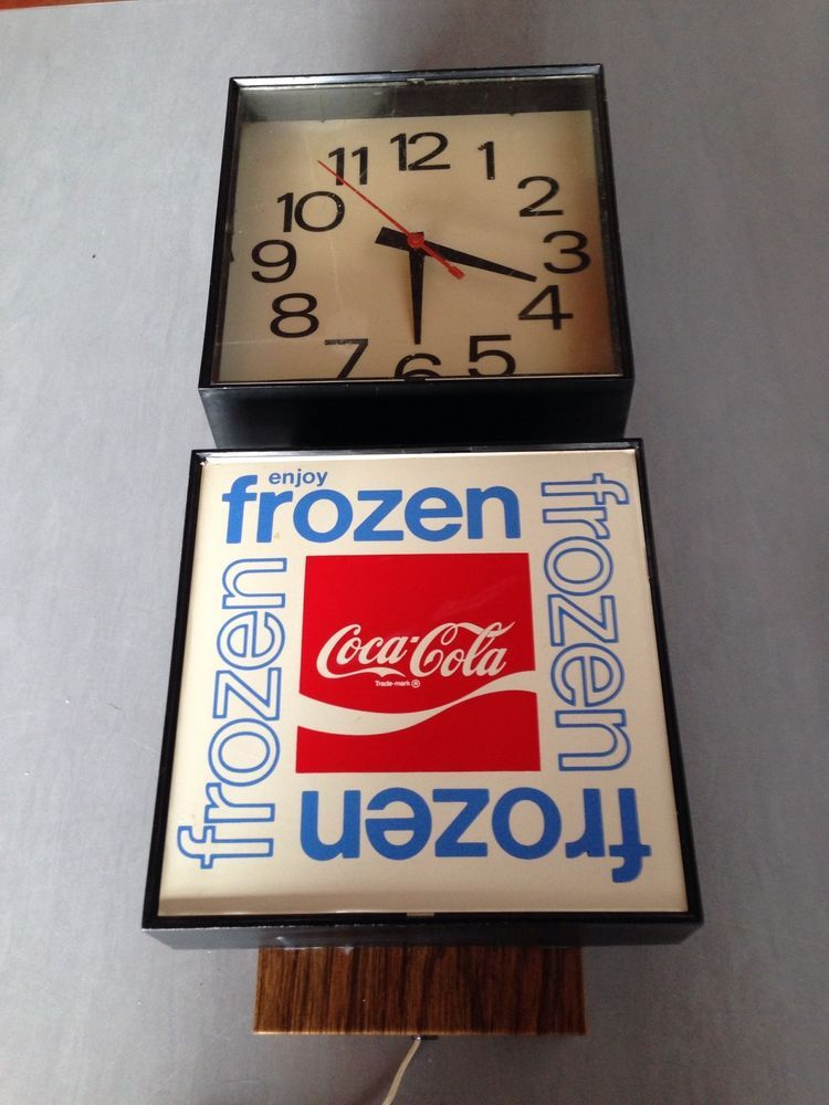 Vintage 1977 Coke Coca Cola Electric Clock Advertising Sign