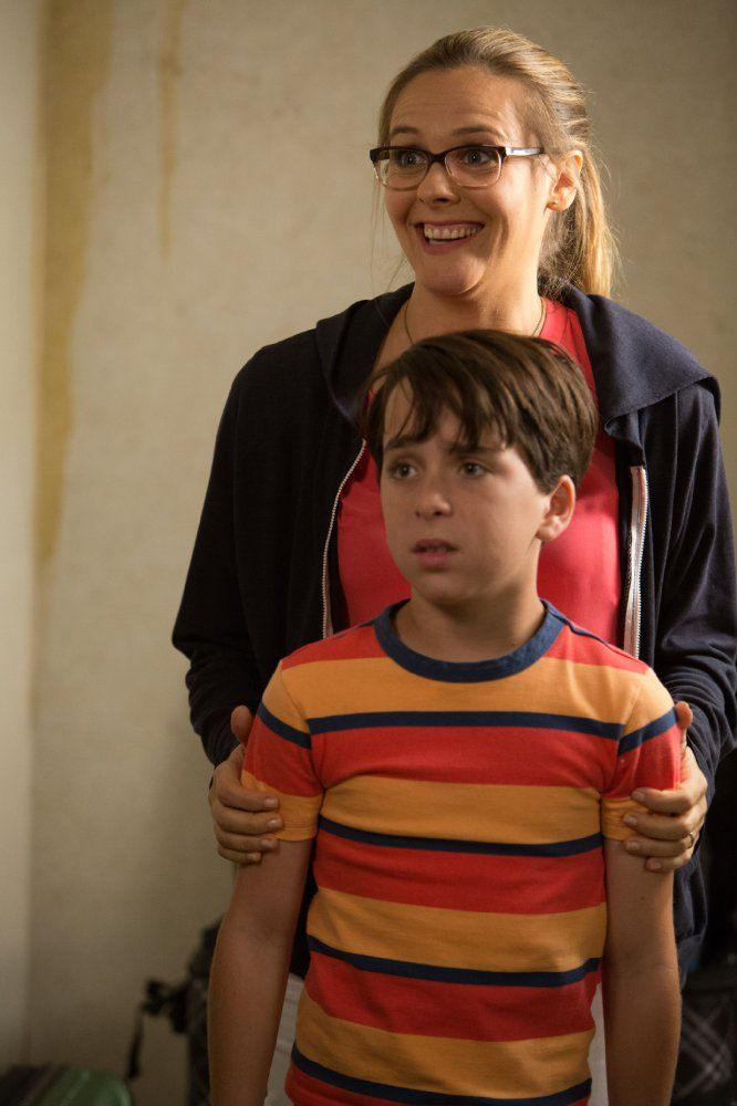 Diary Of A Wimpy Kid The Long Haul Jason Drucker And Alicia Silverstone Image 1 11 Wimpy Kid Wimpy Kid Movie Wimpy