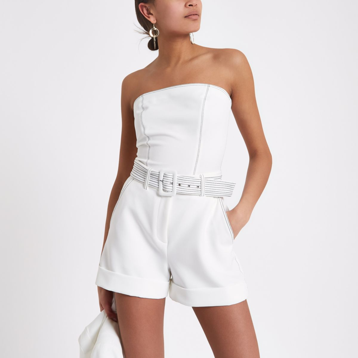 Womens White belted contrast stitch shorts River Island 6nS2KE42Xd