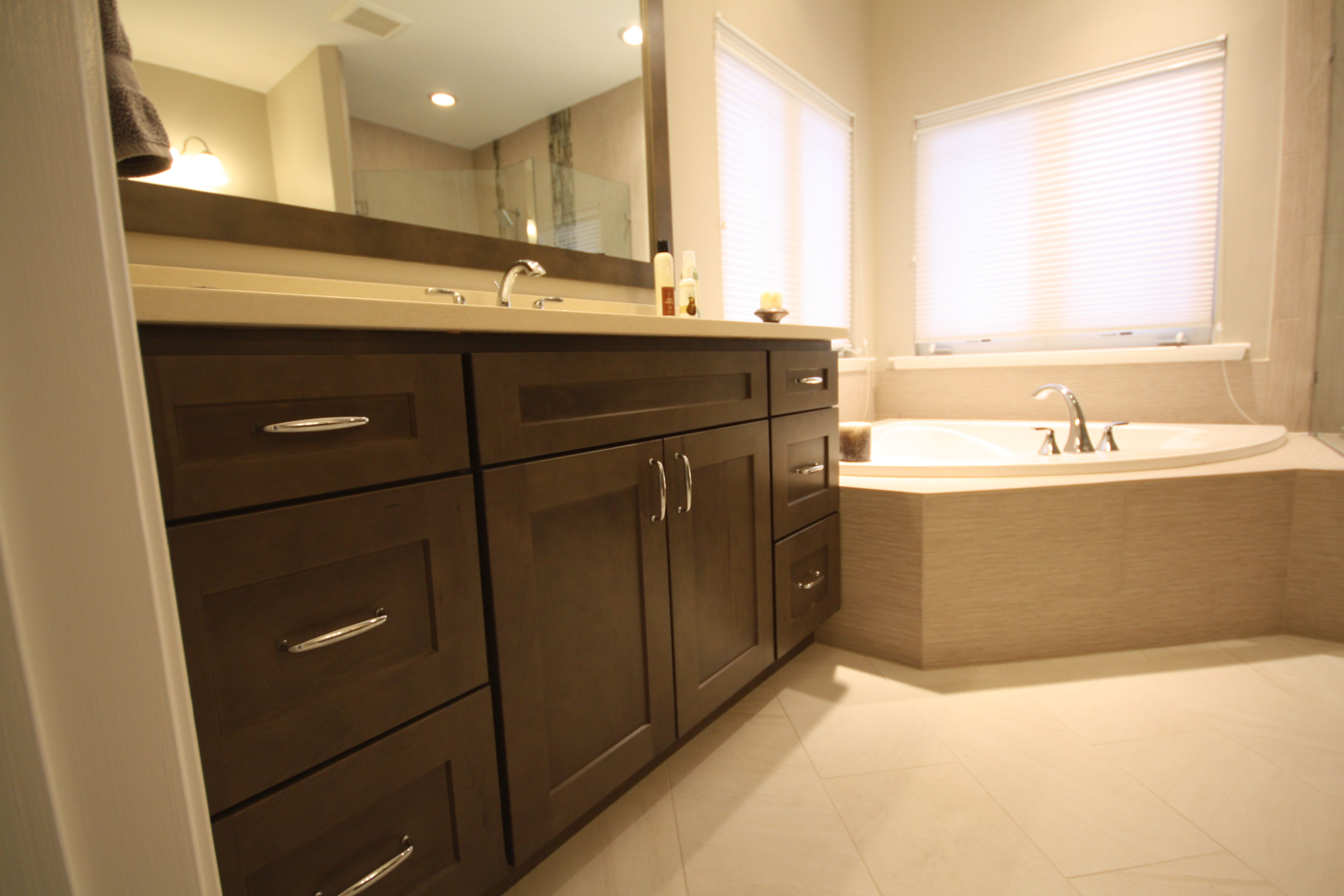 Love This Color Cabinet Homecrest Anchor Cabinets Bathrooms