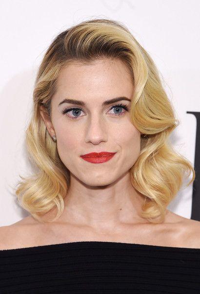 Allison Williams Medium Curls Hollywood Glam Hair Old Hollywood Hair Hollywood Hair