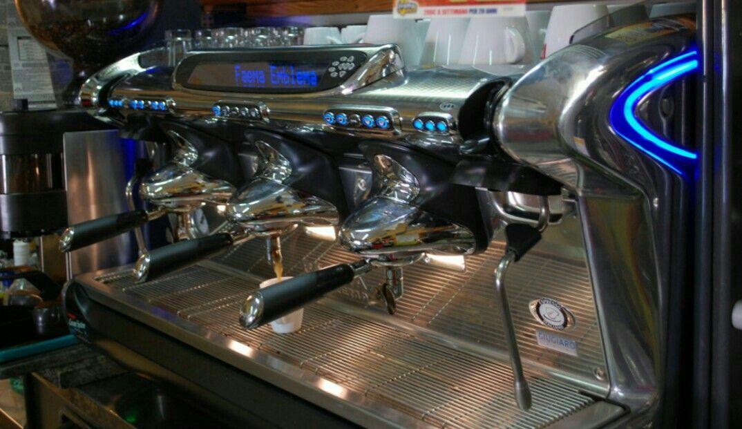 Faema emblema 4800 euro, like new second hand espresso machines - second hand küche