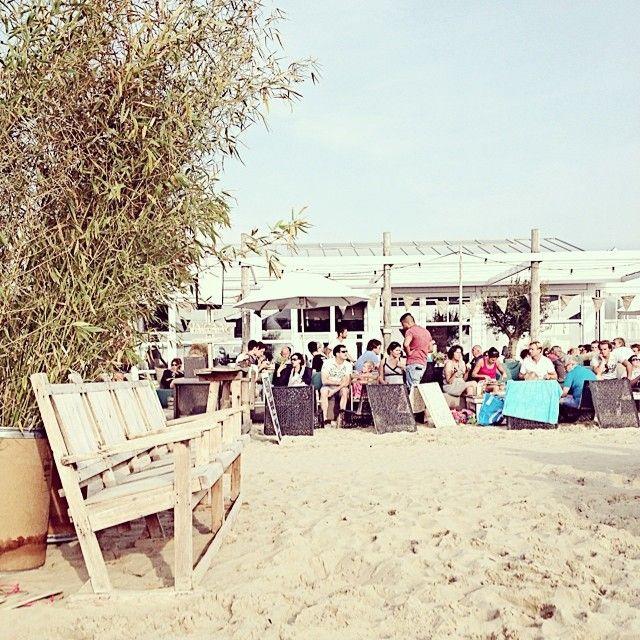 Branding Beach Club