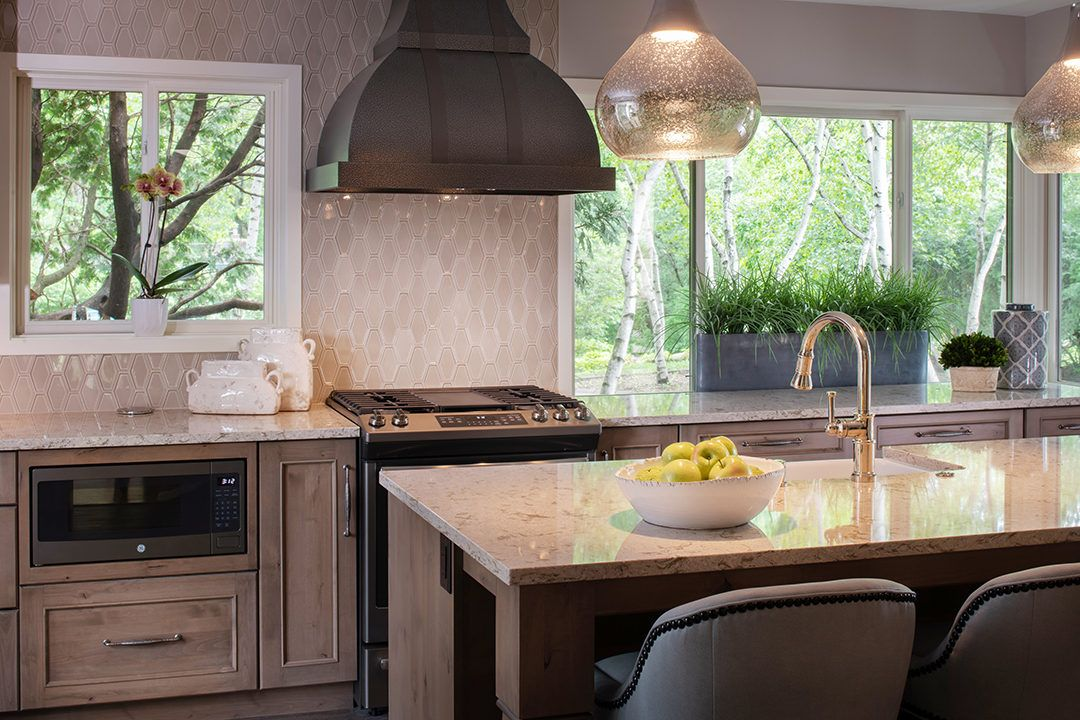 Charming Traditional Kitchen - Design Gallery   Mingle ...
