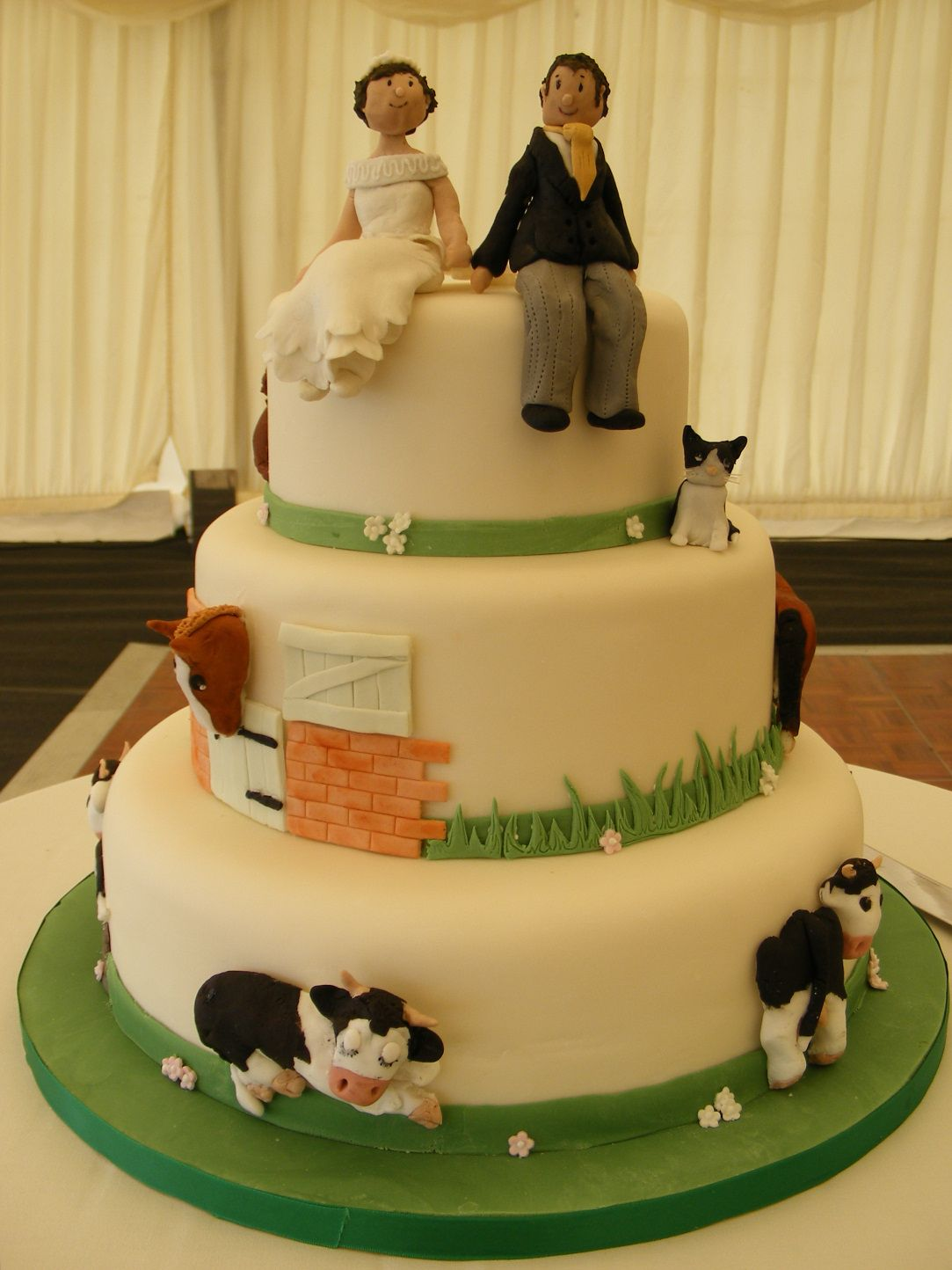Farm Wedding Cake Lol
